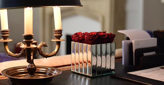 Infinitblooms Flowers Desk Housekeeping Products